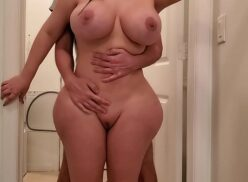 Porno coroa peituda e bunduda fudendo com seu vizinho casado