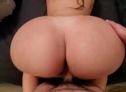Filme porno brasileiro rabuda cavala dando o bundão de quatro