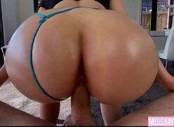 Camerahot prostituta bunduda cavalgando na piroca grande do cliente