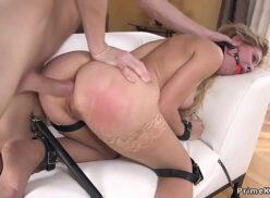 Coroas caseiras professora cuzuda piranha no sexo anal com seu aluno